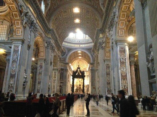 City Wonders : St Peter's Basilica