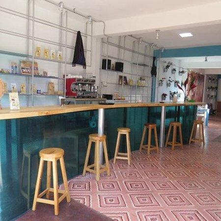 Restaurant Belil: Maria Adelina Flores 20