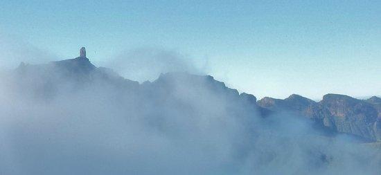 Roque Nublo : El Roque entre nubes