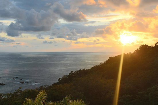 Parador Resort and Spa: Beautiful sunsets from room 416