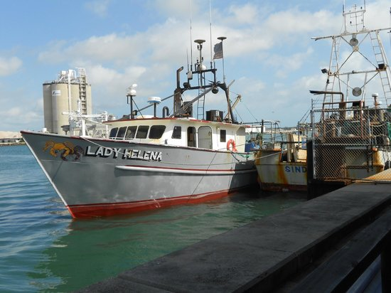 Baja Chowder and Seafood: Watching a fishing boat get ready to go out