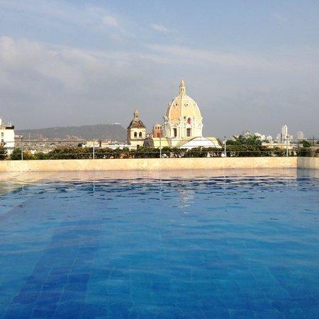 Charleston Cartagena Hotel Santa Teresa: Piscina, com vista para São Pedro Claver