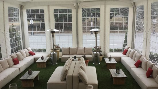 Artmore Hotel: Veranda
