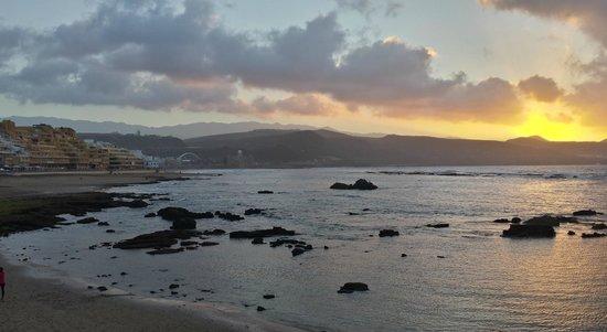 Playa de Las Canteras: Atardecer en la playa