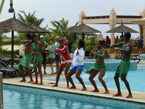 "Hotel Riu Touareg: Entertainment Staff doing the ""Jiggy Jiggy"""