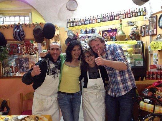 Trattoria Familiare da Michele & Jolanda: 9 Marzo 2014, Michele e Iolanda e Sasja e Monica di Olanda