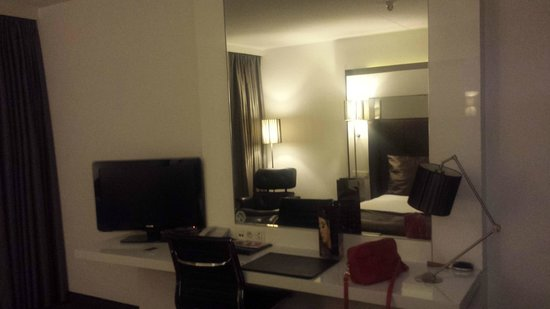 WestCord Fashion Hotel Amsterdam: Espace chambre