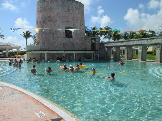 Swim Up Bar And Slide Picture Of Memories Grand Bahama Beach And Casino Resort Freeport