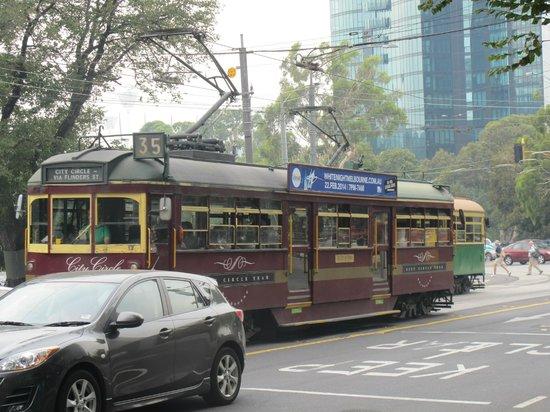 Mercure Melbourne Treasury Gardens: City Circle Tram - Free!