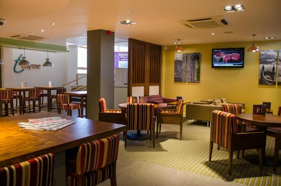 premier inn london hammersmith hotel reviews photos. Black Bedroom Furniture Sets. Home Design Ideas