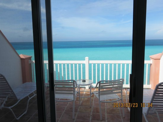 Pompano Beach Club : relaxing view of balcony and ocean
