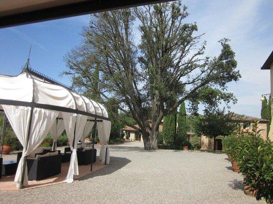 Villa Curina Resort: Terrasse