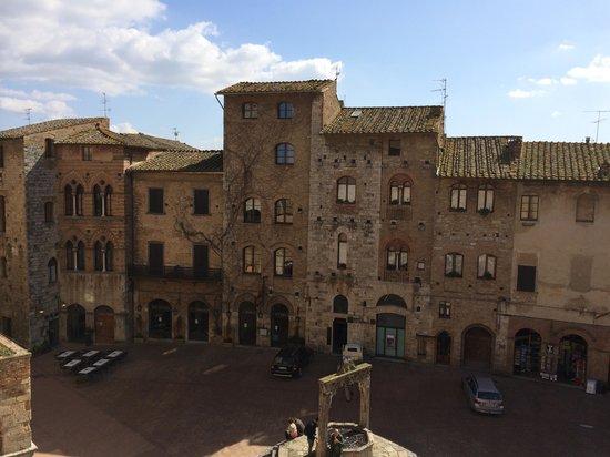 Hotel Leon Bianco: Una parte della vista dalla camera!