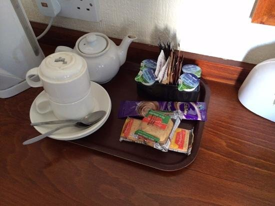 The George Hotel: Tea & Coffee making facilities