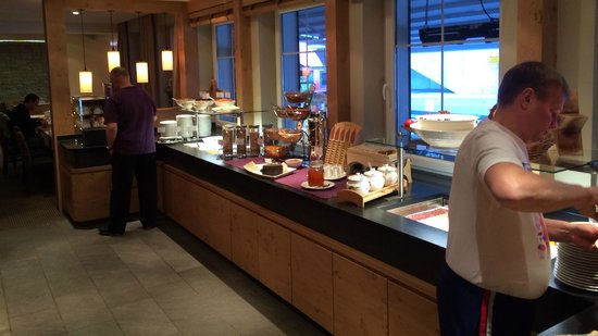 Hotel Valentin: Big Breakfast