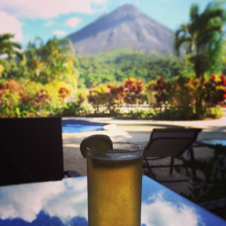Arenal Kioro Suites & Spa: View from the poolside restaurant