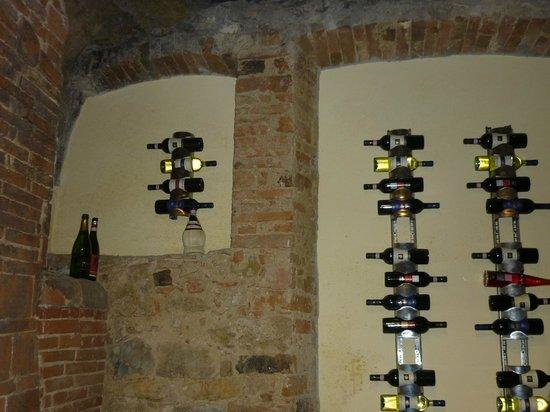 Chianti Road: Diversos tipos de vinos presentados en el viñedo que visitamos.