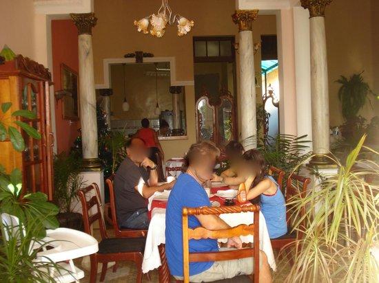 Restaurante Dona Nora: desayunando