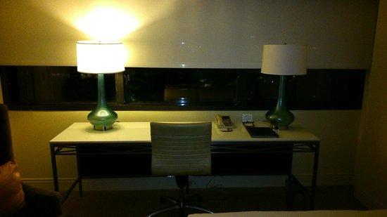 Hilton Miami Airport Blue Lagoon: Interior do quarto