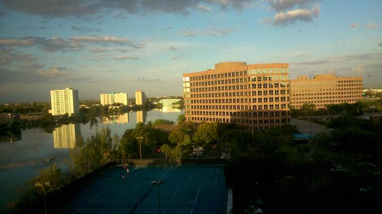 Hilton Miami Airport Blue Lagoon: Vista da janela do quarto