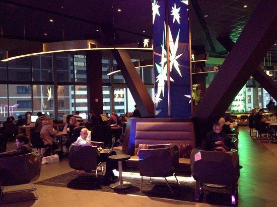 Novotel New York Times Square: Le bar