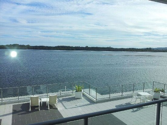 Ramada Hotel & Suites : View of Clarence River from Lounge Room