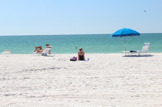 Silver Surf Gulf Beach Resort: Beach