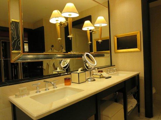 Encore At Wynn  Las Vegas : Bathroom