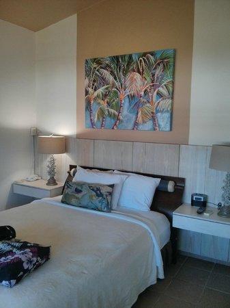 Tres Palmas Inn: room 15