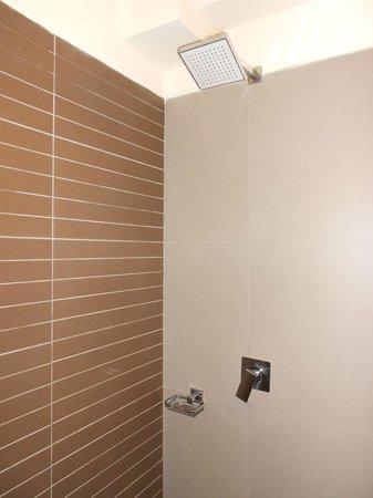 Allpa Hotel & Suites: Banheiro