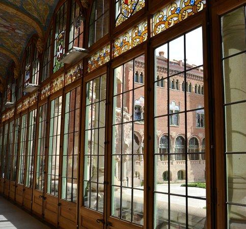 Sant Pau Recinte Modernista: Inside