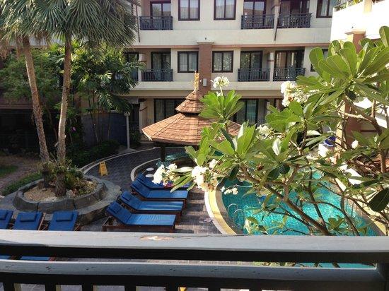 P. P. Palm Tree Resort: pool view