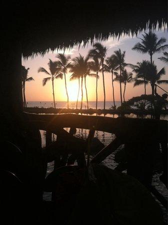 Humuhumunukunukuapua'a: Sunset