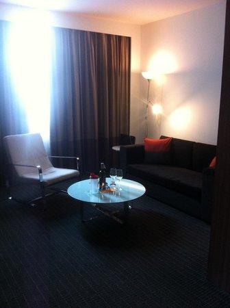 Novotel Bangkok Fenix Silom: Large living room