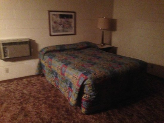 La Loma Motel : Bed view