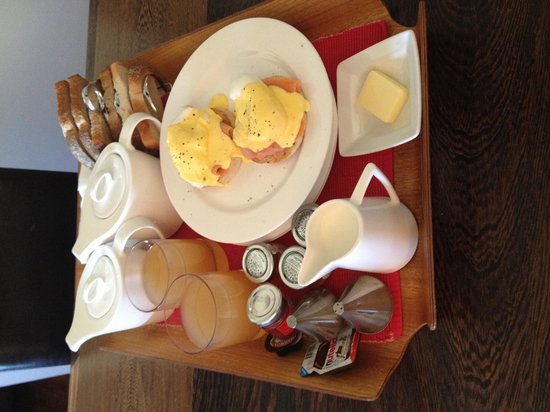 Hotel Una: Lush breakfast