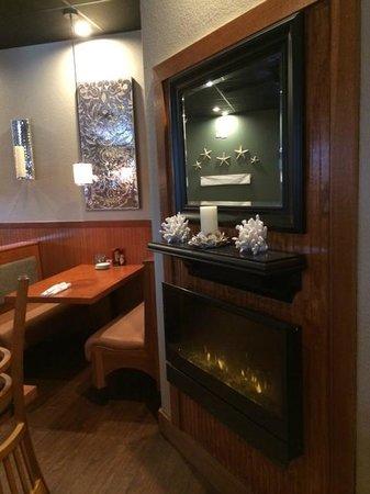 Shrimp Boat Grill: Cozy Setting