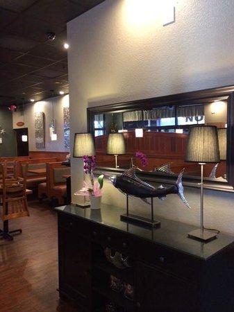 Shrimp Boat Grill: Inside Decor