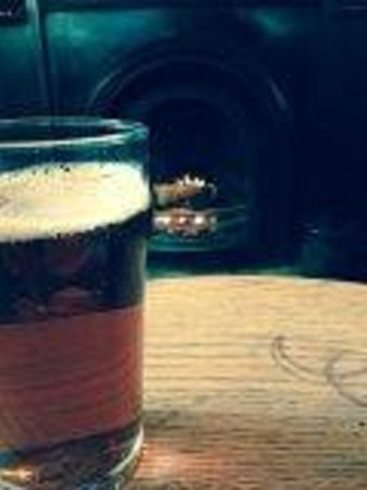 The Bath Arms: Ale and an open fire - what could be better?
