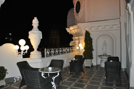 Hotel Atlantico: Rooftop patio