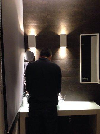 Castilho House: Banheiro