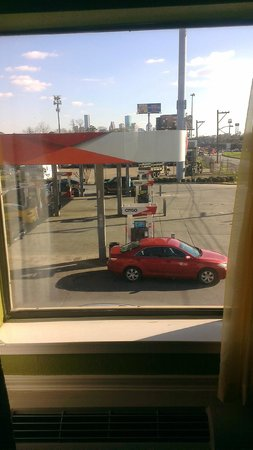 Americas Best Value Inn & Suites - Downtown : The view from my window