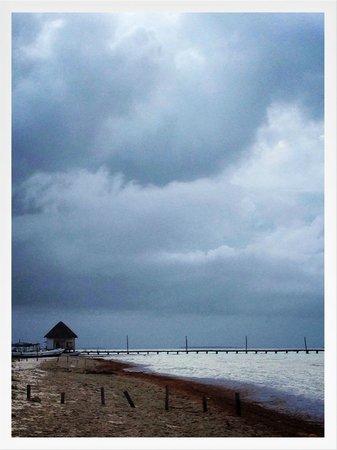 Holbox Hotel Mawimbi: Beautiful storms