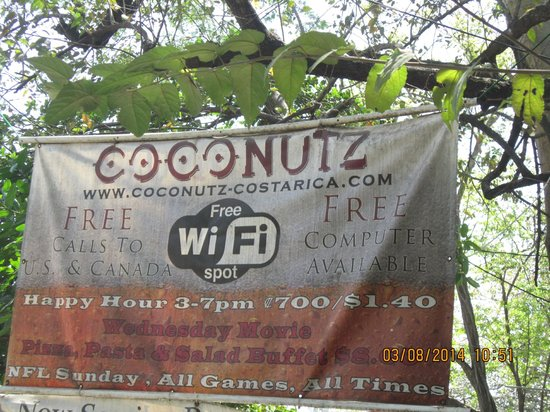 Coconutz Sports Bar & Angry Goats Brew House: Coconutz Playa Coco Costa Rica