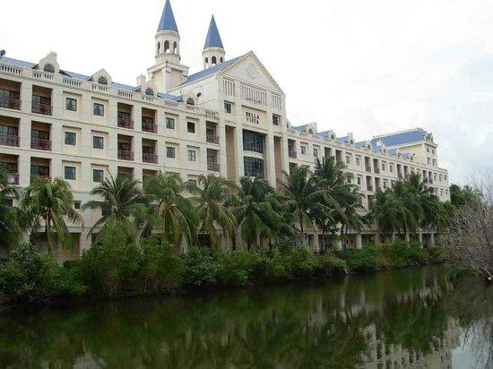 Bella Vista Waterfront Resort & Spa Langkawi: фасад