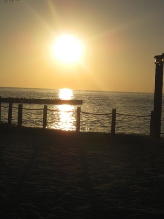 Playa Azul Golf, Scuba, Spa : Stunning Sunset