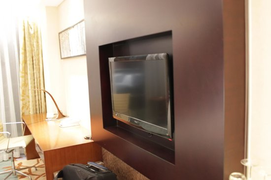 Holiday Inn Beijing Shijingshan Parkview : newly furnished tv