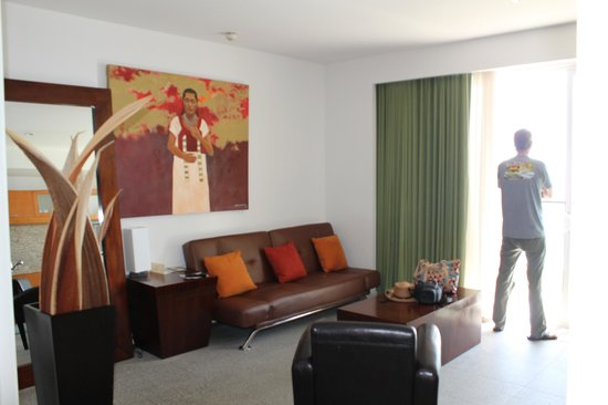 Rosarito Beach Hotel: Another view of room