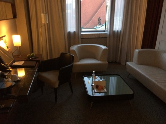 Sofitel Berlin Gendarmenmarkt: Our suite was nice