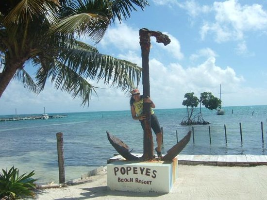 Popeyes Beach Resort: View of the Anchor at Popeyes